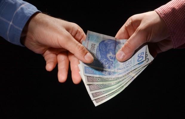 Na co zwrócić uwagę porównując pożyczki w bankach?